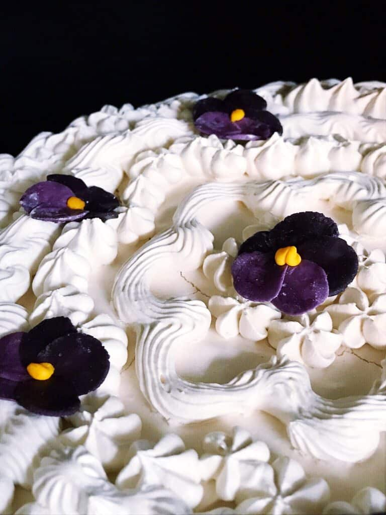 windetorte meringue dessert for spring studio tour